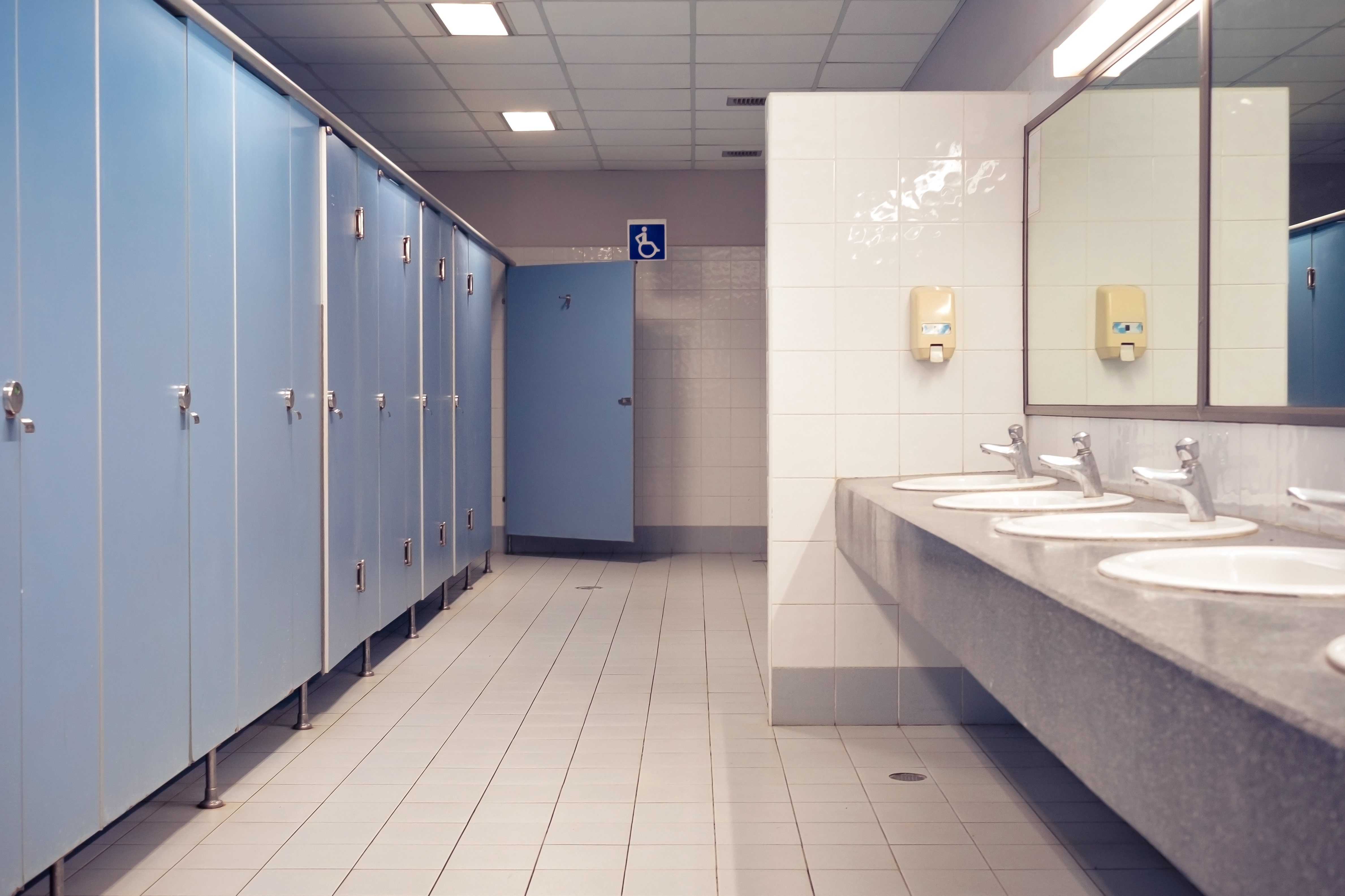 Tips for Using Public Bathrooms During the Coronavirus Pandemic
